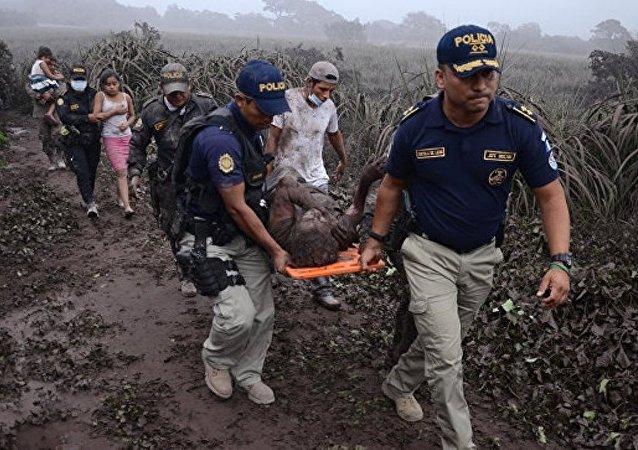 危地馬拉總統宣佈為火山噴發遇難者哀悼三天