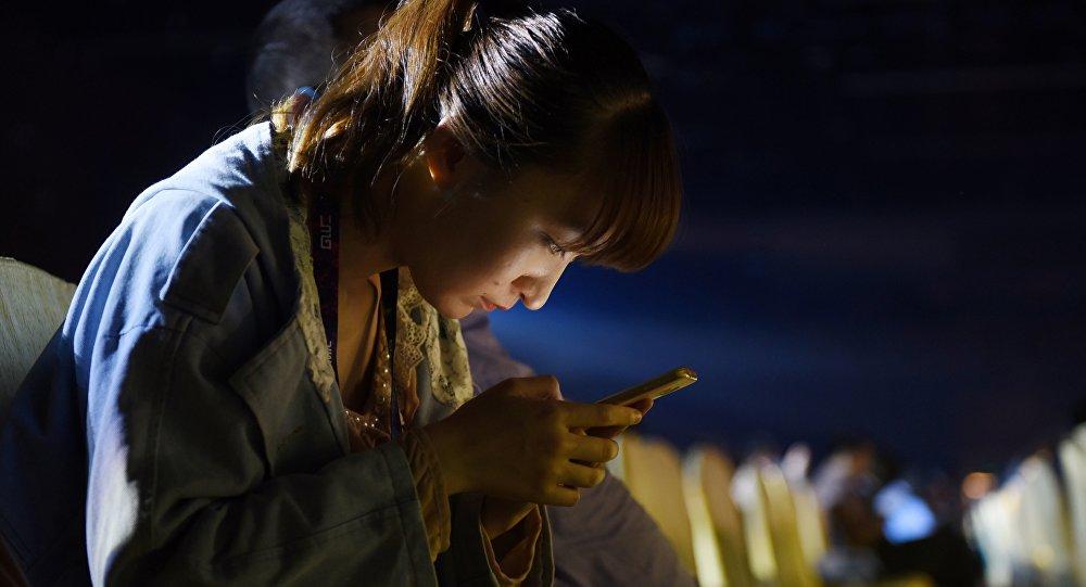 讓手機軟件做賣淫平台 – 非法