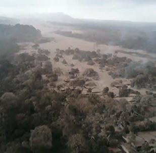 危地马拉富埃戈火山喷发