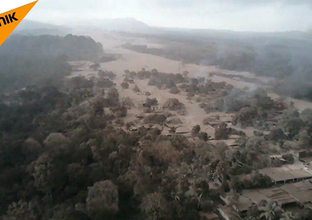 危地馬拉富埃戈火山噴發