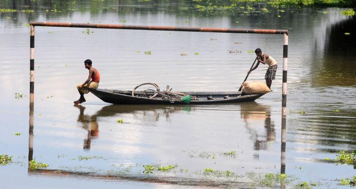 印度东北部近600万人遭受洪灾