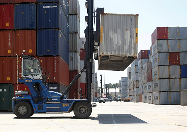特朗普:美国对输美商品加征25%的关税
