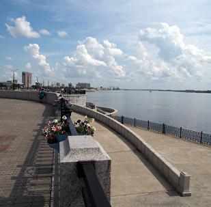 布拉戈维申斯克的阿穆尔河堤岸