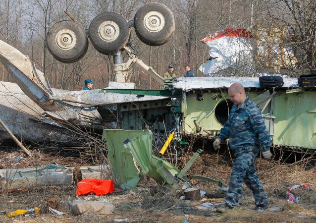 波兰前总统莱赫·卡钦斯基空难乘坐的飞机残骸(资料图片)