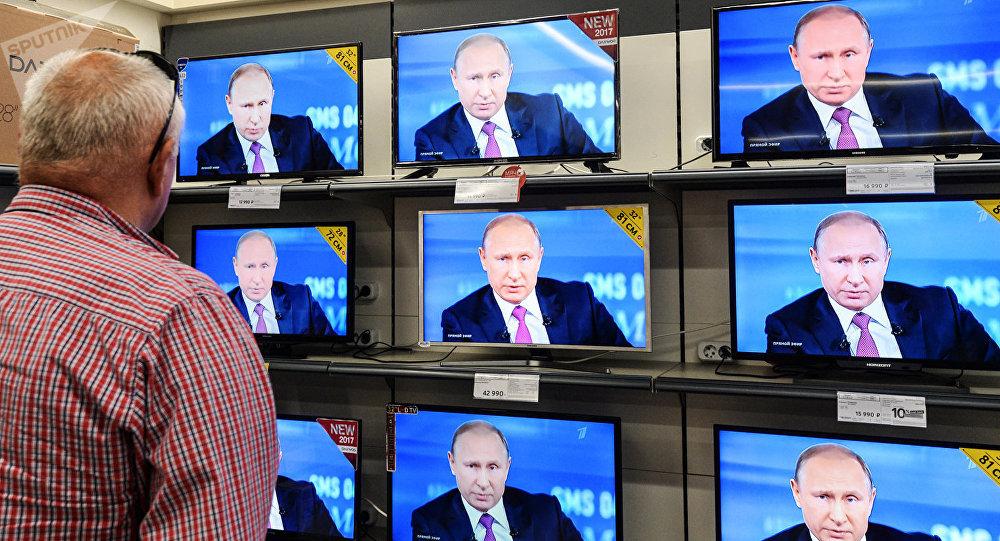 調查:約580萬俄羅斯人觀看「與普京直播連線」