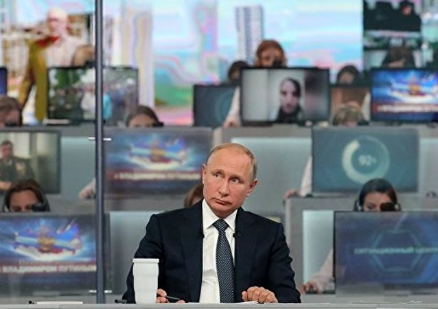 普京對俄官員在「直播連線」期間的答復表示滿意