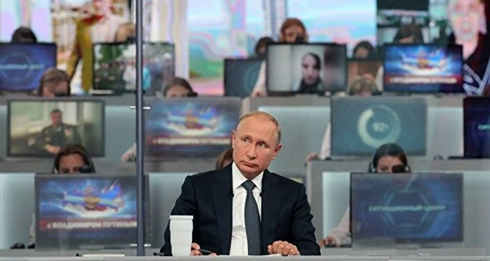 """普京对俄官员在""""直播连线""""期间的答复表示满意"""