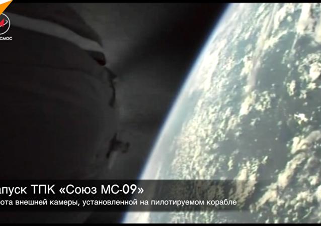 """俄航天国家集团公司首次展示""""联盟号""""飞船脱离火箭瞬间"""