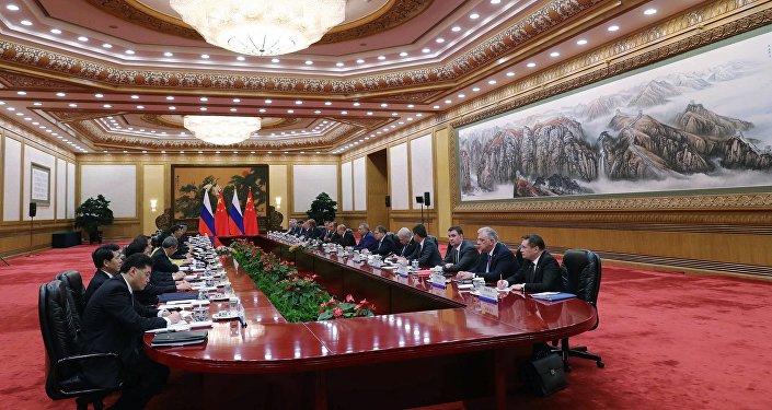普京与习近平签署俄中联合声明