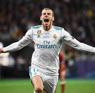 曼联将签下贝尔而非罗纳尔多