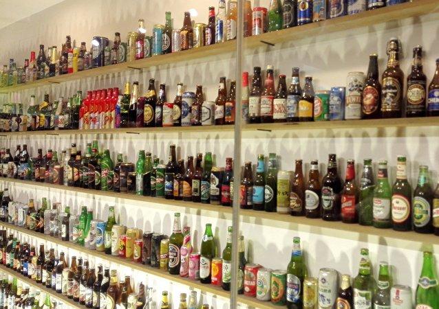 「青啤」請普京品嘗「活」啤酒和「IPA」啤酒