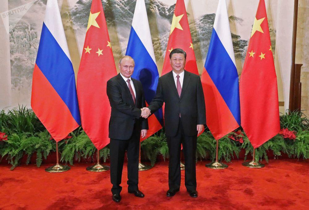 俄羅斯總統弗拉基米爾•普京和中國國家主席習近平在北京會面。