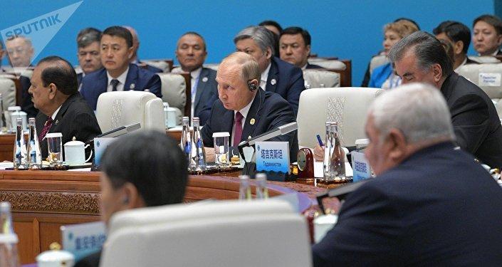 普京:叙政府全面履行义务 事态发展取决于反对派