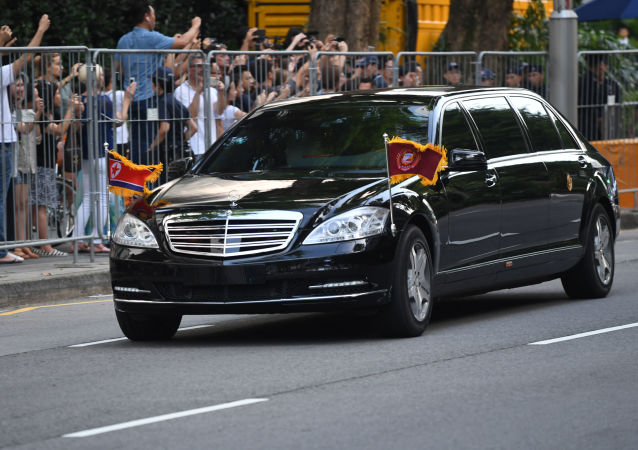 金正恩和特朗普從新加坡下榻酒店出發,前往美朝峰會舉辦地