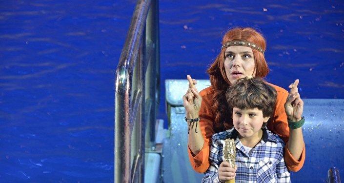 莫斯科海洋馆推出水上音乐剧《夏夜的梦》