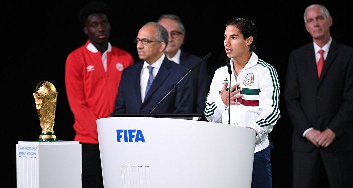 根据在莫斯科举行的国际足联大会的投票结果,2026世界杯将首度在美加墨三个国家举行