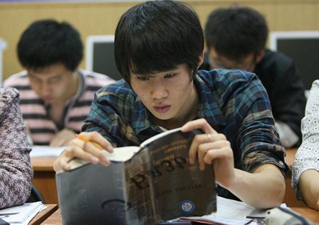 中国留俄学生人数比2012年翻一番