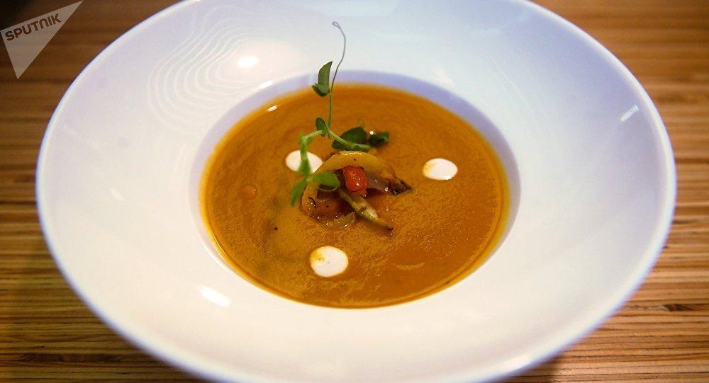 干番茄烤蔬菜奶油汤