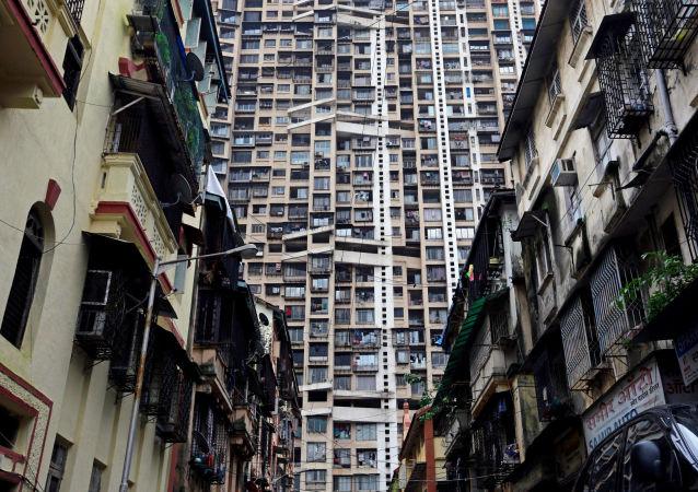 印度孟買摩天大樓起火
