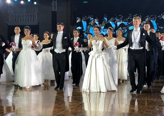 俄罗斯舞会首次在中国举办 获得圆满成功