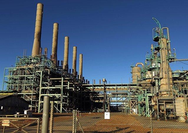 利比亚国家石油公司因武装分子袭击损失逾六成储备