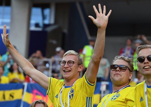 瑞典队战胜韩国队后 下诺夫哥勒德市中心啤酒售罄