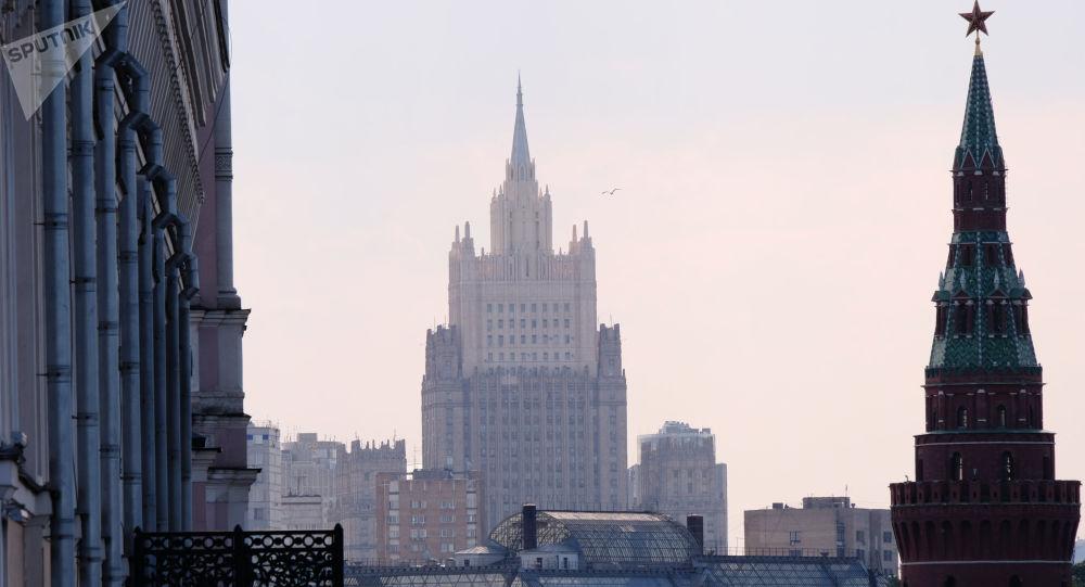 美国凭空捏造借口准备对俄实施新制裁