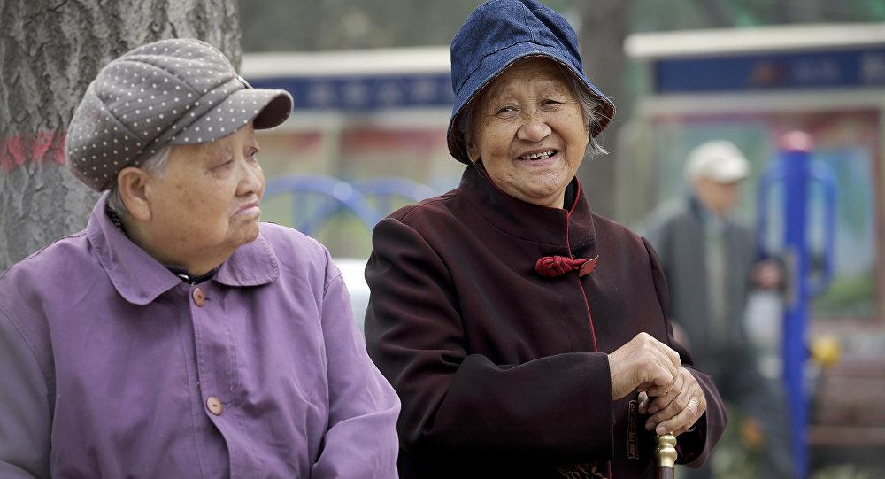 长寿者如何破坏世界经济