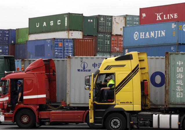 王毅:中欧应共同维护自由贸易体系