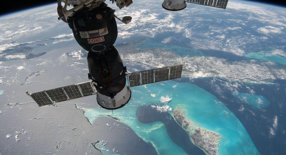 国际空间站航天员将带一只腊肠犬毛绒玩具飞往太空