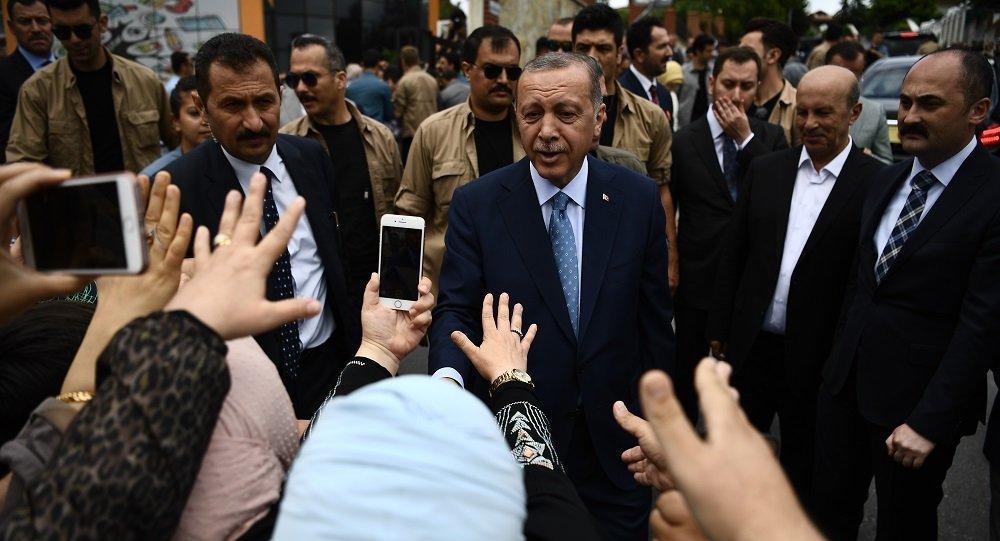 埃尔多安在土耳其总统选举中保持领先