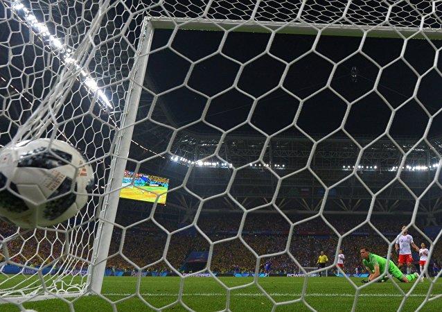 波兰大比分输给哥伦比亚 晋级16强希望泯灭