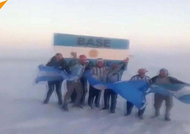 南極慶祝阿根廷出線