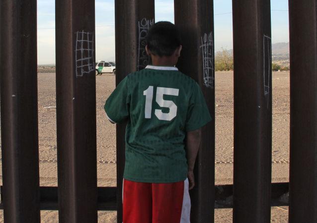 美国加州一联邦地区法院发布命令要求非法移民家庭重聚