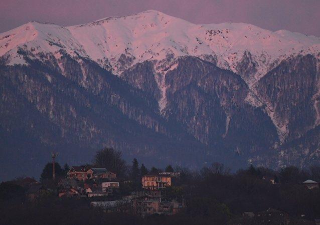 索契山脈發生地震