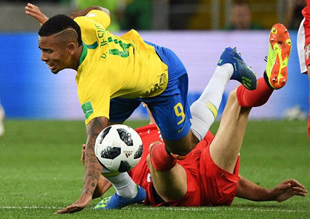 巴西2:0塞尔维亚 小组第一晋级