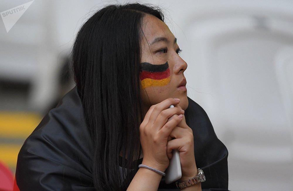 德国惨败出局也让中国网友各种感叹。顺便一提,很多人预测本届世界杯冠军属于德国队。