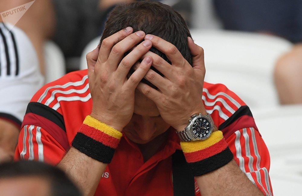 俄羅斯聯邦委員會議員阿列克謝·普什科夫稱:2018年世界杯爆出多個冷門,包括俄羅斯出線,德國沒有進入1/8決賽。俄羅斯踢出了世界杯最好成績,很意外,但是事實。