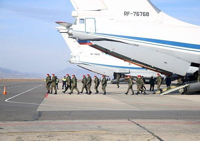 俄方过去几日内共从叙撤出13架飞机、14架直升机及1140名军人