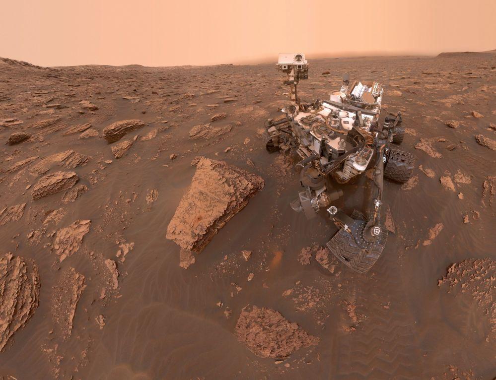 在火星風暴期間,「好奇號」火星探測車玩了自拍