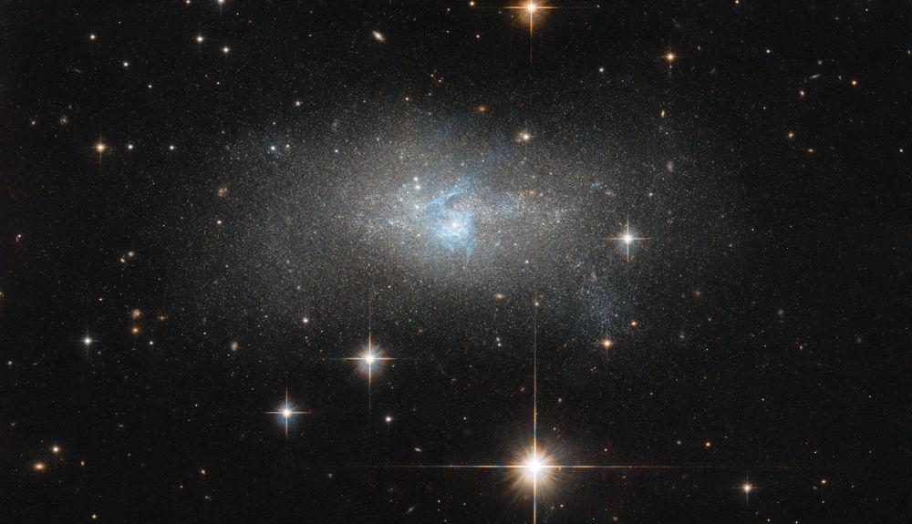 IC 4870藍色星系的圖片