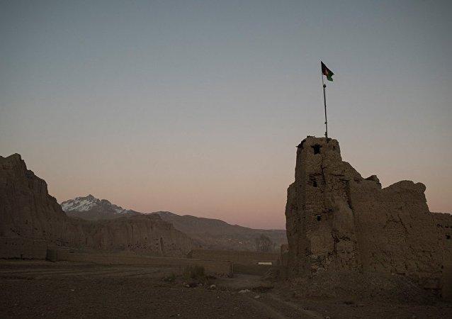 媒体:阿富汗总统宣布与塔利班解除停火
