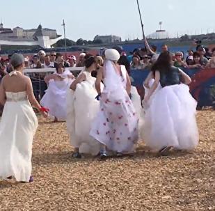 如果足球和婚礼放在一起将会怎样?
