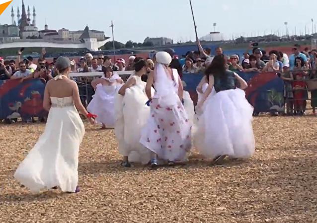 如果足球和婚禮放在一起將會怎樣?