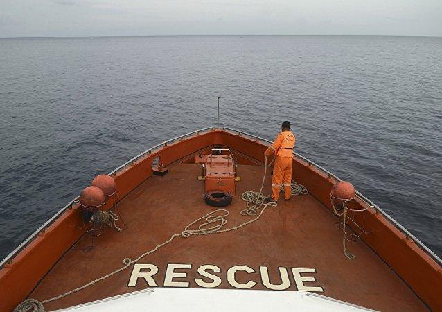 印尼载139人渡轮沉没 4人死亡