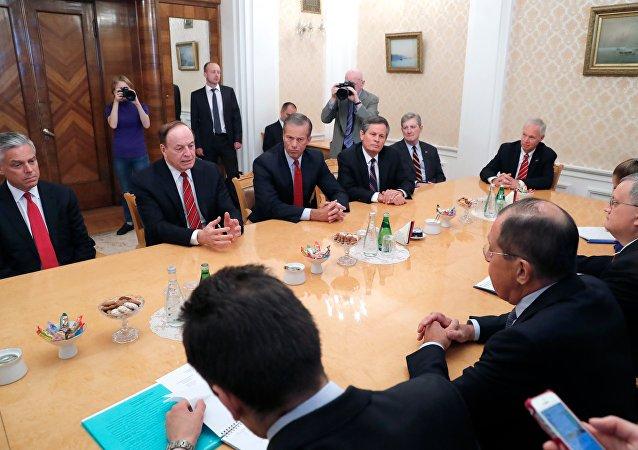 美国议员呼吁把俄罗斯视为超级大国