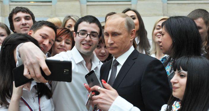 普京总统仍旧是俄罗斯最受信赖的政治家