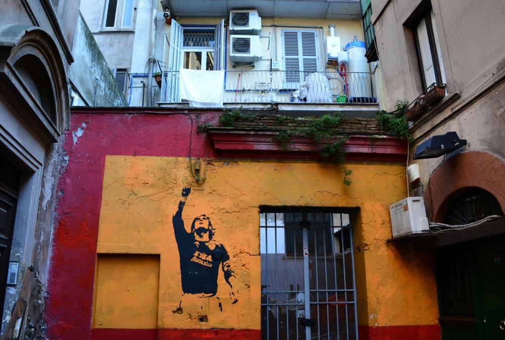 羅馬。畫著球星托蒂的塗鴉。