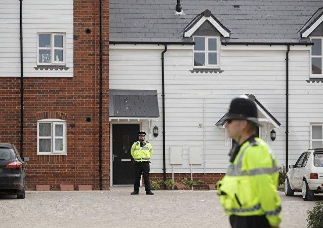 英国埃姆斯伯里市两居民不明物质中毒