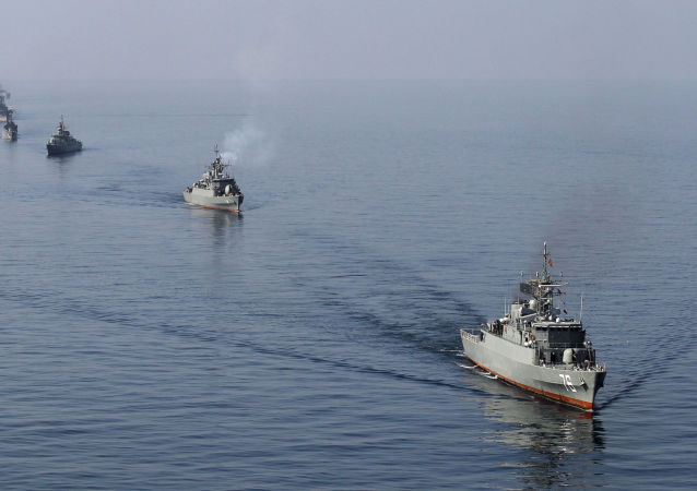 伊朗海军在霍尔木兹海峡(资料图片)